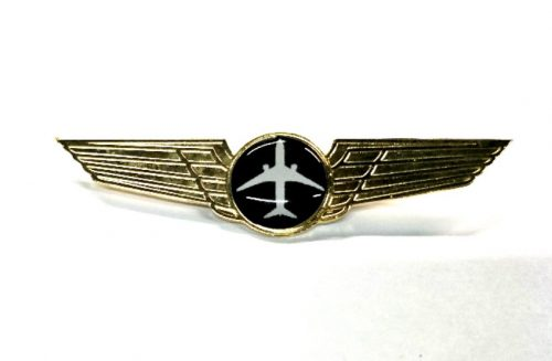 Pilot 18 com-pilot, flight crew accessories, aviation books